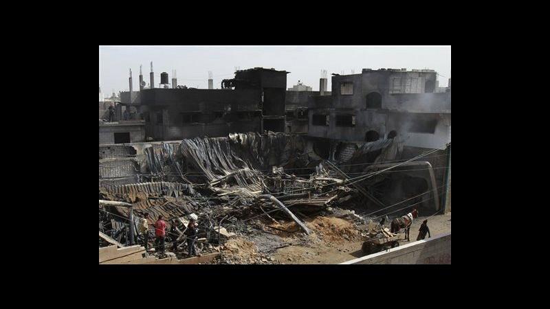 Medioriente, Israele bombarda miliziani Gaza dopo lanci di razzi