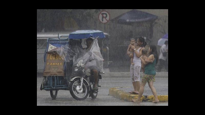 Filippine, tempesta tropicale su provincia Albay: 8 morti, 18 dispersi