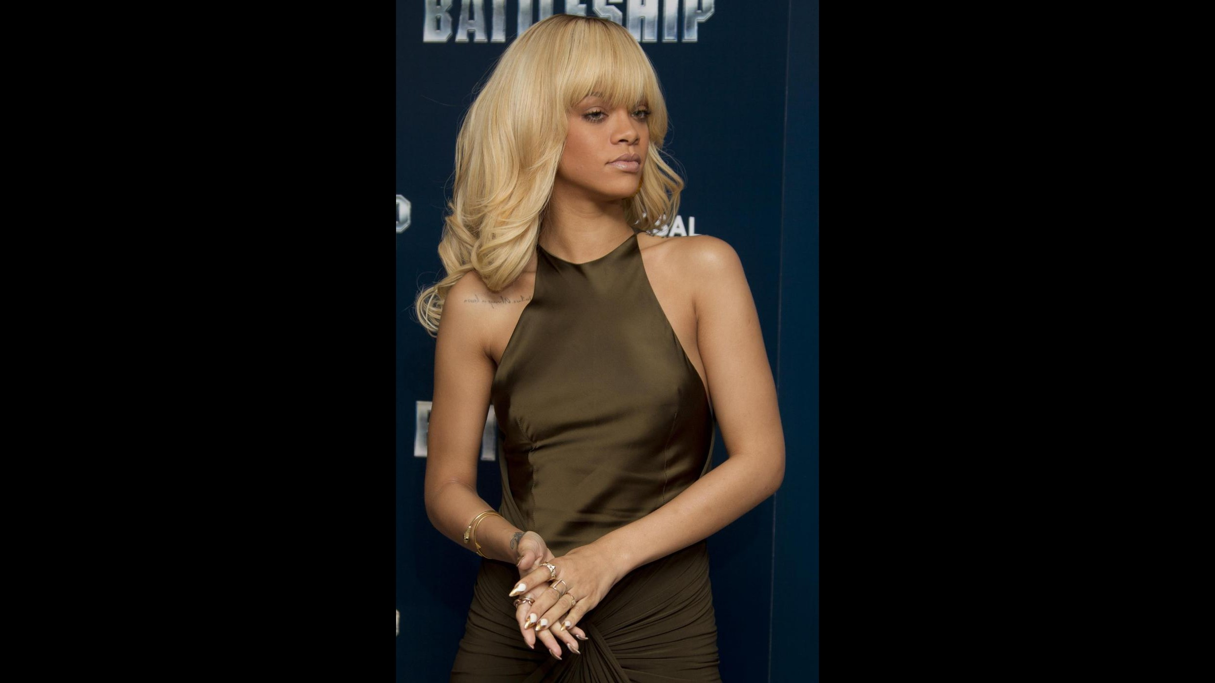 Rihanna: Una relazione con Ashton Kutcher? Io sono felicemente single