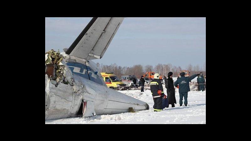 Siberia, precipita aereo: 31 morti