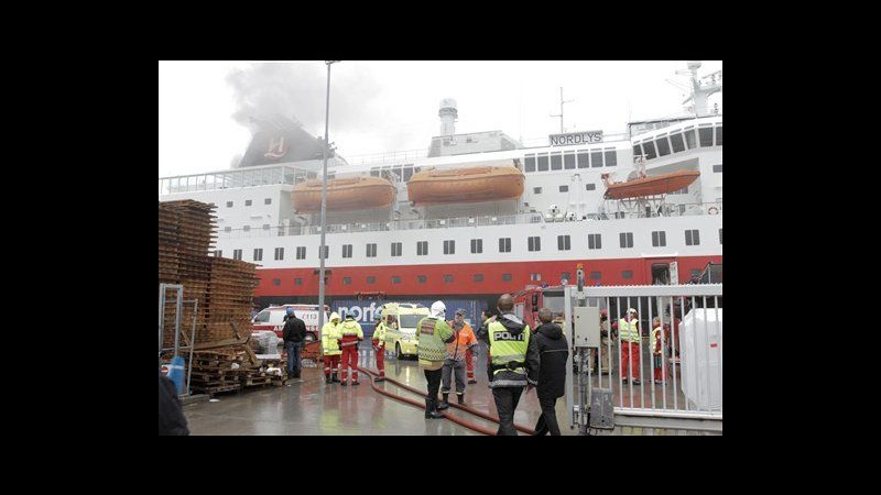 Norvegia, incendio su nave da crociera: 2 morti, 4 dispersi