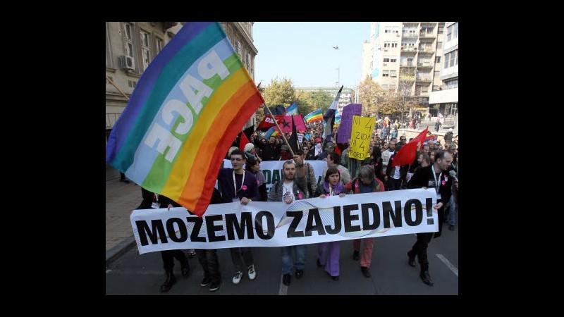 Serbia, polizia: Rischio violenze a gay pride domenica, annullatelo