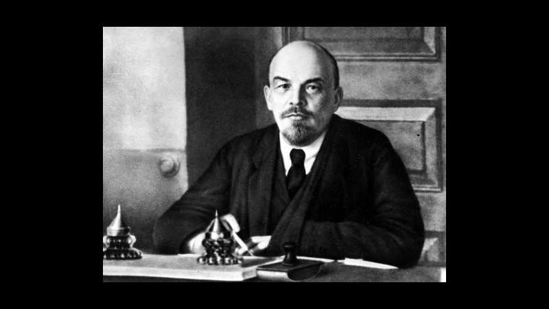 Lenin non morì per sifilide ma per ictus da stress o veleno