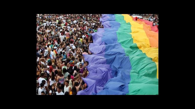 Brasile, 700mila persone al gay pride di Rio de Janeiro a Copacabana