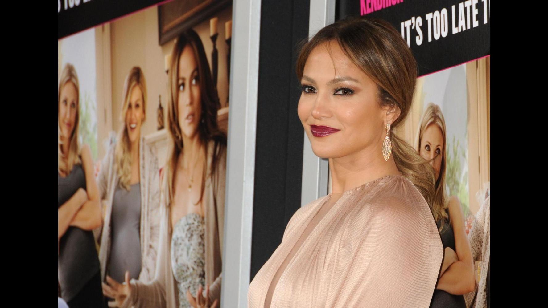 Jennifer Lopez pensa all'adozione