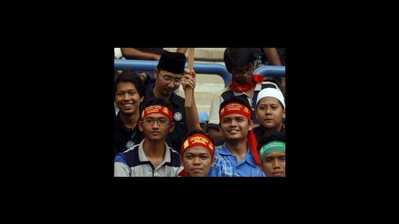 Musulmani malesi in marcia contro presunto proselitismo cristiano