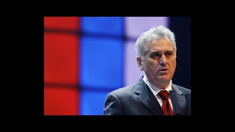 Serbia, leader boicottano insediamento Nikolic per frase su Srebrenica