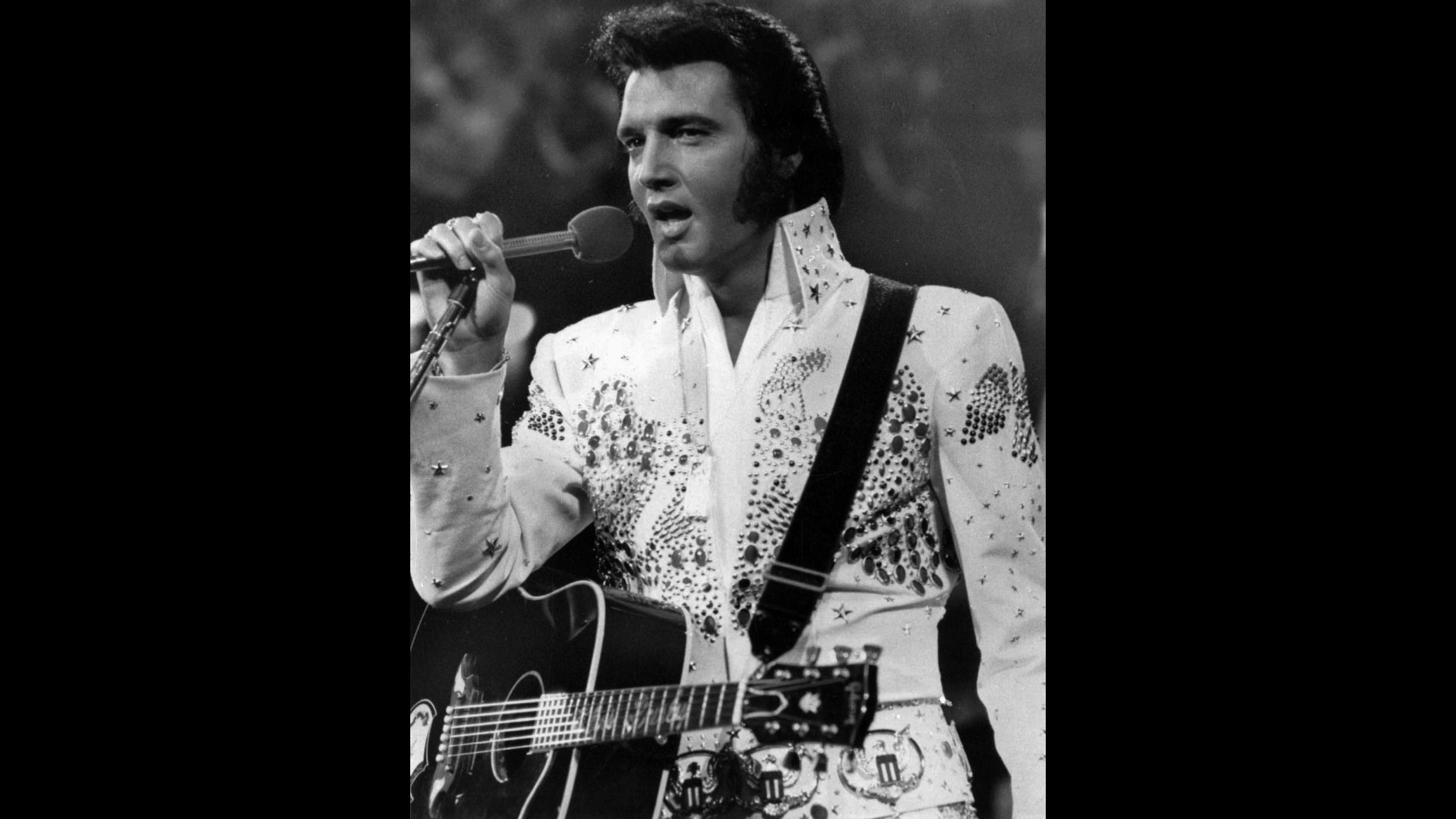 Elvis Presley tornerà in forma di ologramma