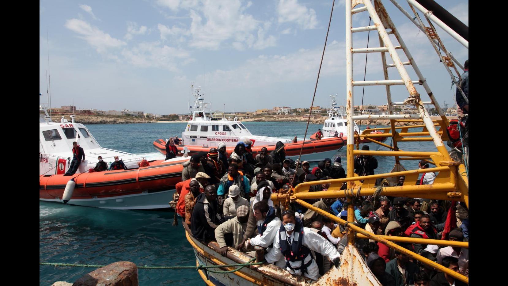 Salento, sbarco di 84 migranti su costa  S.Maria Leuca