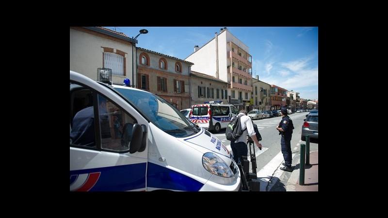 Tolosa, catturato sequestratore banca, ostaggi tutti illesi