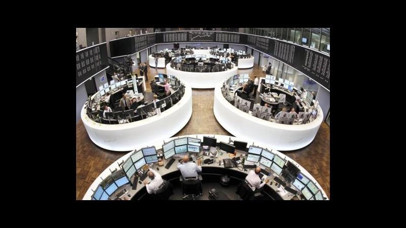 Borsa, Milano in negativo (-0,4%) con banche, brillante Fiat