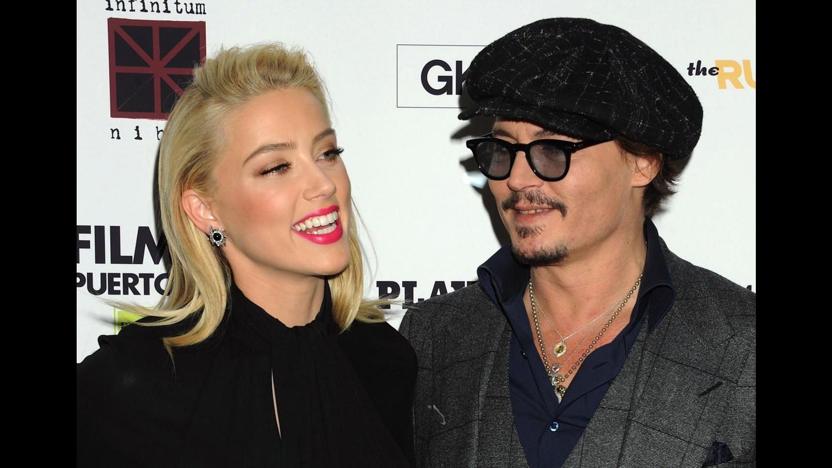 Johnny Depp e Amber Heard prendono le distanze
