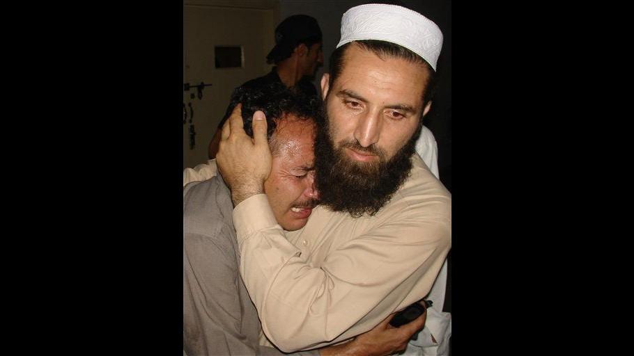 Pakistan, bomba contro bus di studenti sciiti a Karachi: un morto