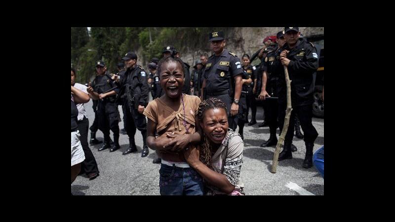 Guatemala, 100 persone sfrattate da accampamento abusivo
