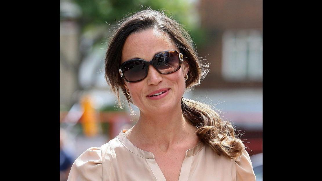 Pippa Middleton in crisi: troppo dure le critiche di Karl Lagerfeld