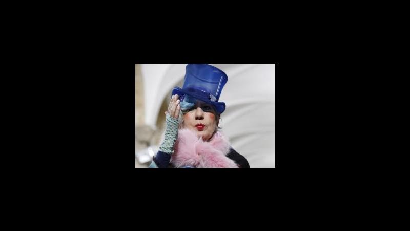 Morta a 81 anni la giornalista di moda Anna Piaggi, ispirò Lagerfeld