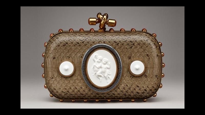 Bottega Veneta, borsa e parure in porcellana in edizione limitata