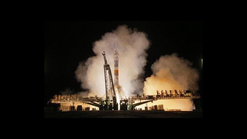 Spazio, arrivati 3 nuovi astronauti sulla Iss, giunti a bordo di Soyuz