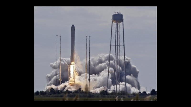 Partita verso Stazione spaziale capsula privata della compagnia Orbital
