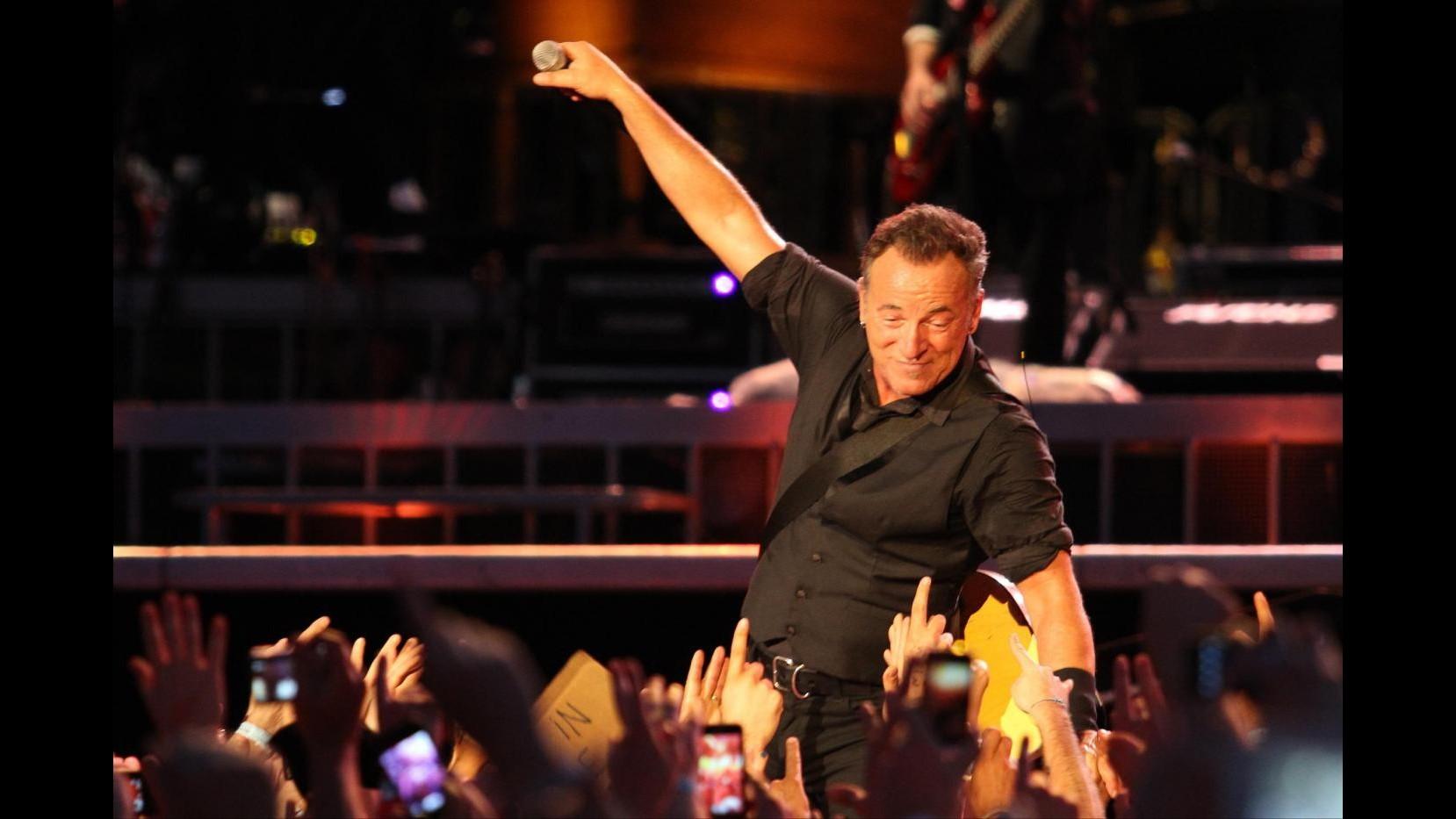 Springsteen torna in Argentina dopo 25 anni e dedica canzone a popolo