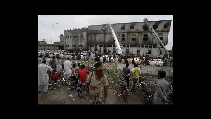 Pakistan, saliti a 191 morti in incendi fabbriche Karachi e Lahore