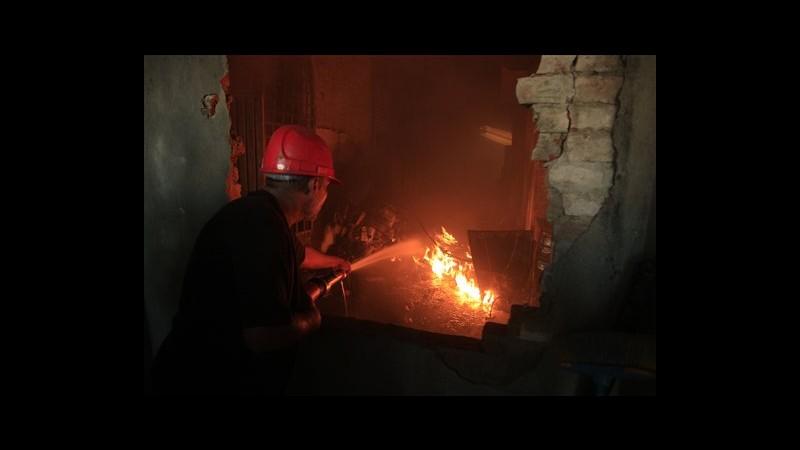 Pakistan, incendi in fabbriche a Karachi e Lahore: 128 morti