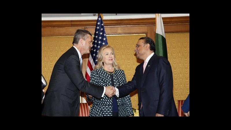 Clinton incontra Morsi: Importante garantire sicurezza diplomatici