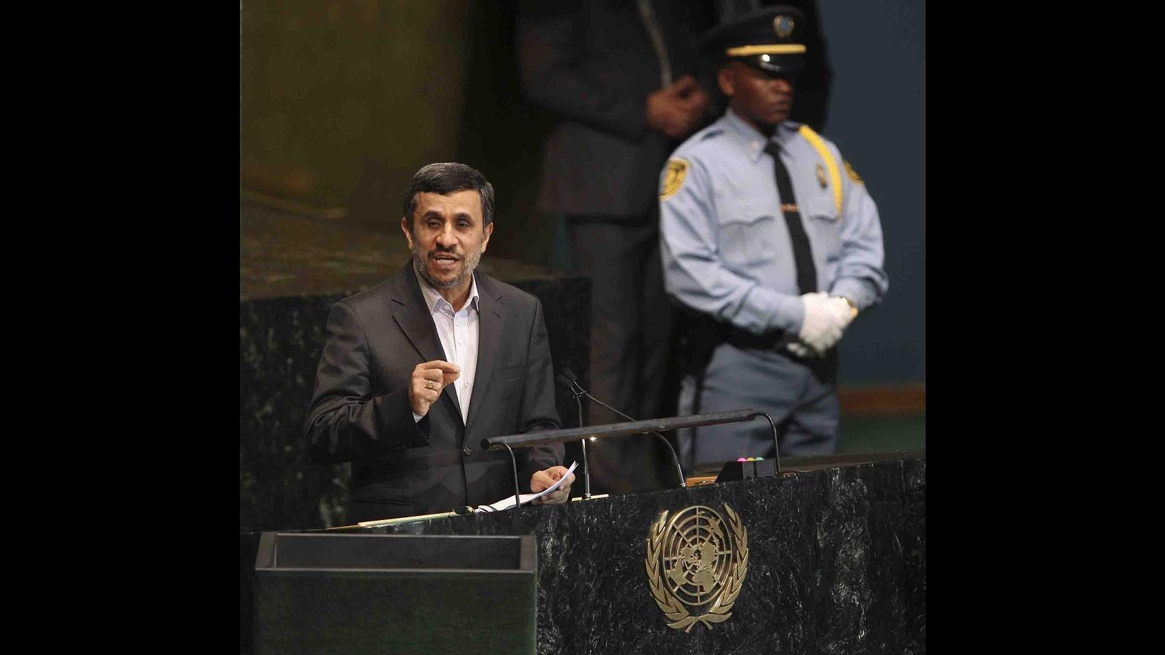 Iran, Ahmadinejad: Non è troppo tardi per dialogo con Usa