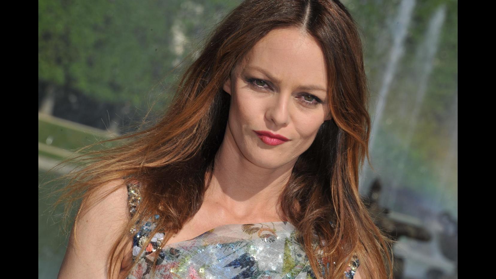 Vanessa Paradis dimentica Johnny Depp con l'ex di Carla Bruni