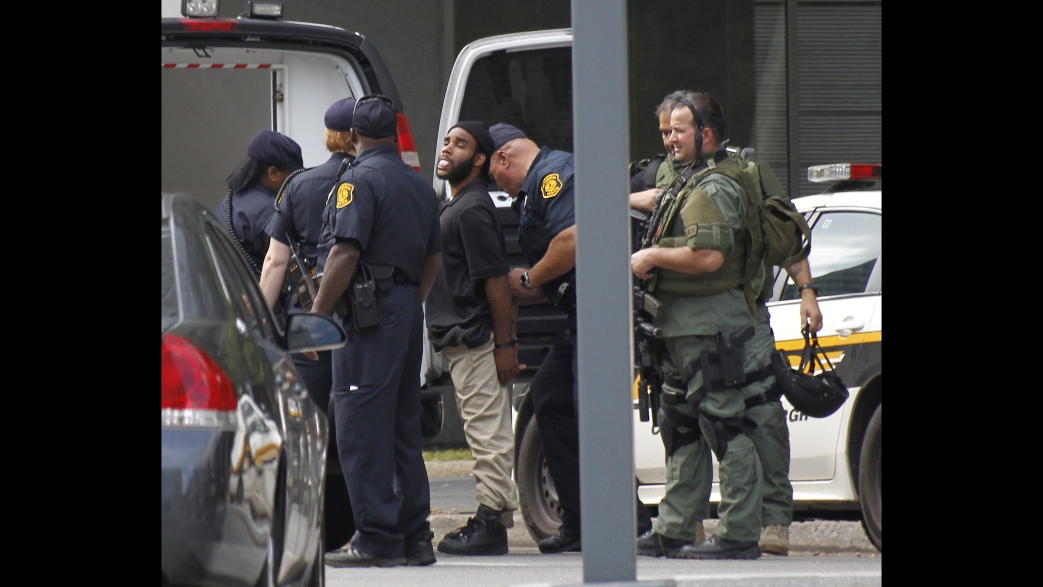 Pittsburgh, prende ostaggio e aggiorna Facebook: si arrende dopo 5 ore