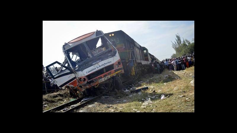 Kenya, treno si schianta contro bus: 11 morti, diversi feriti