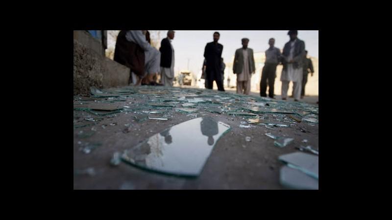 Afghanistan, 12 morti in attentato suicida: vendetta per film Maometto