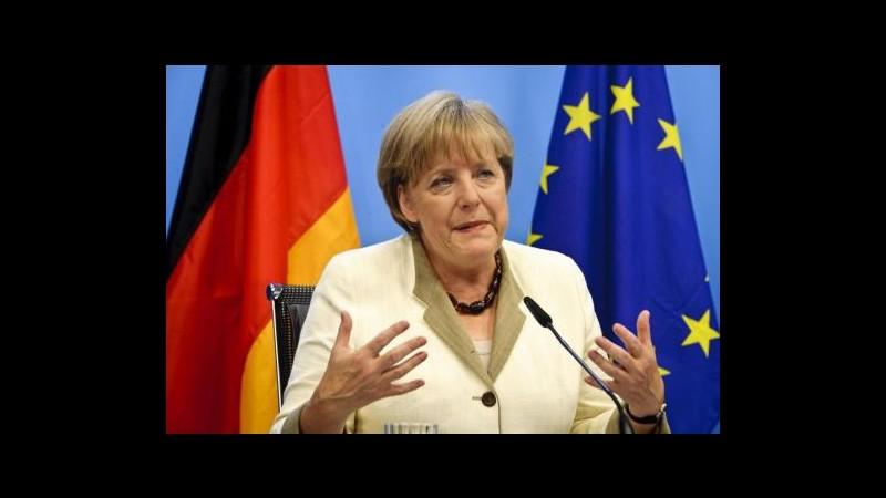 Crisi, Merkel: Servono più vincoli e coordinamento politico