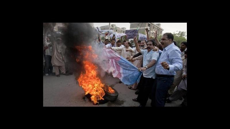 Film Maometto, migliaia in piazza in Pakistan, un morto a Karachi