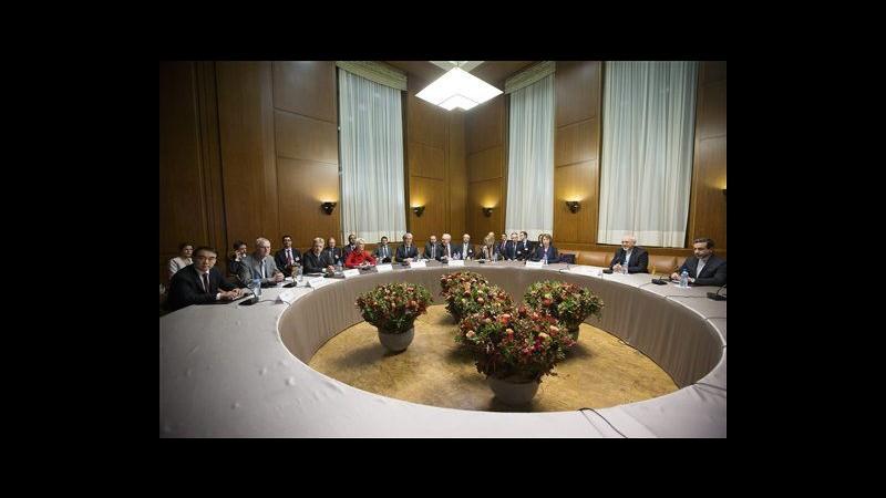 Iran, nuovi colloqui tra Zarif e Ashton su linguaggio accordo iniziale
