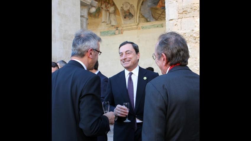 Draghi: Situazione migliorata. E difende taglio tassi della Bce