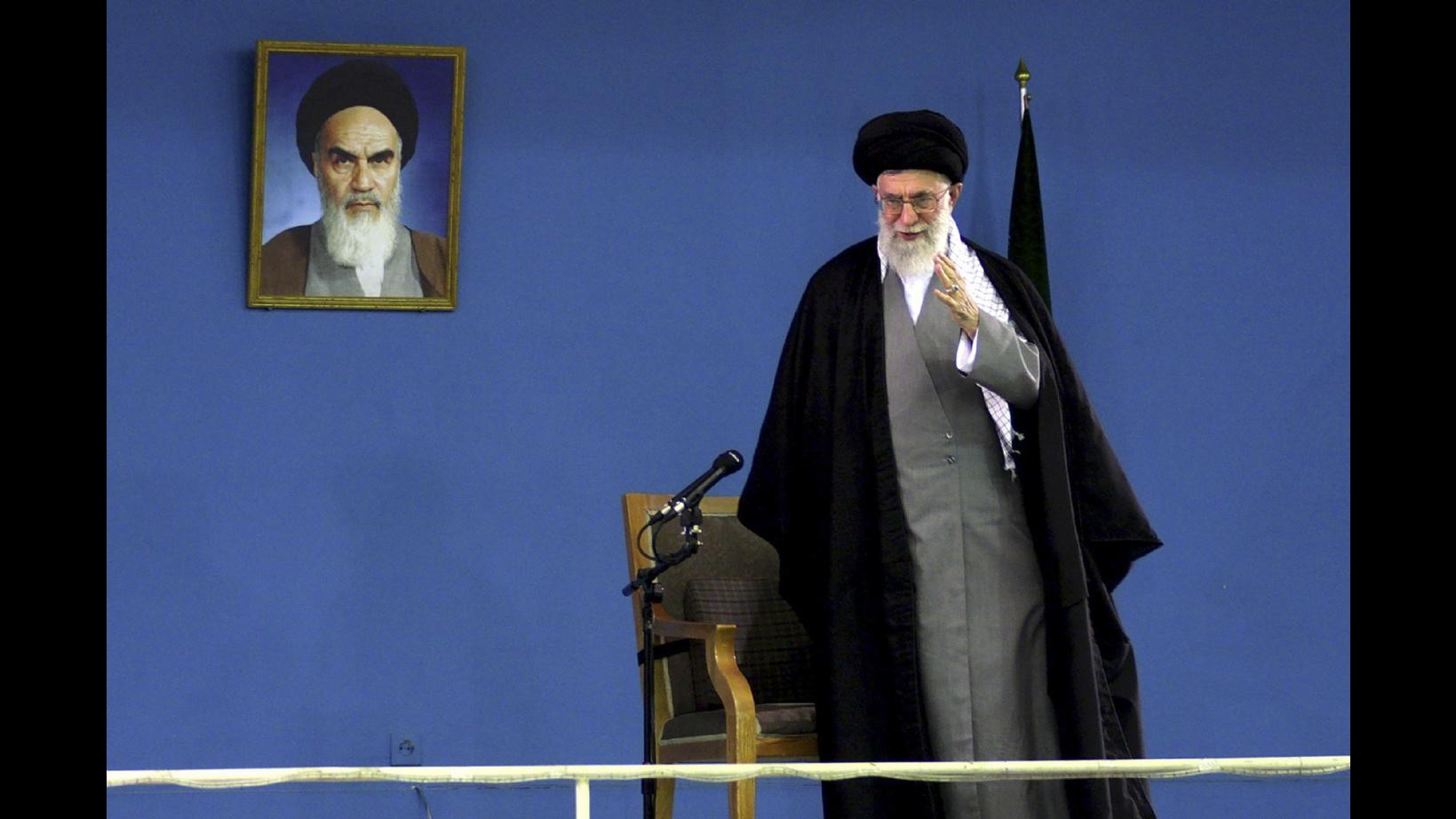 Iran, Khamenei: Sanzioni non ci porteranno a concessioni indesiderate. Oggi nuovi colloqui