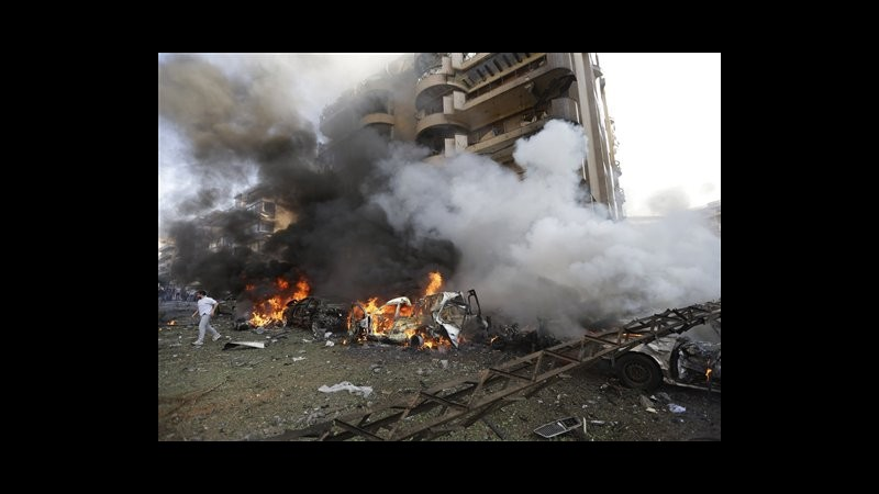 Libano, 2 esplosioni vicino ambasciata iraniana a Beirut: 23 morti