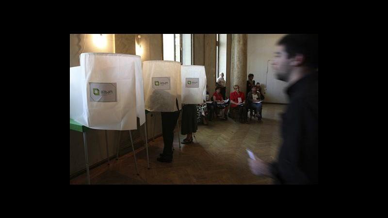 Georgia al voto per legislative: sfida Saakashvili-Ivanishvili, clima teso