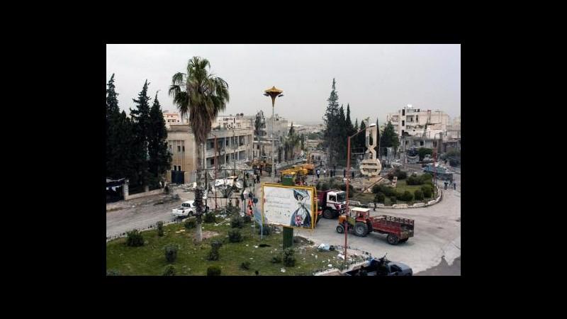 Siria, bombardamenti su provincia Idlib: almeno 12 morti