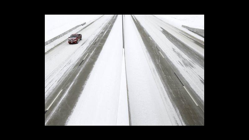 Usa, ancora freddo e neve: 8 i morti, 117mila senza luce a Dallas