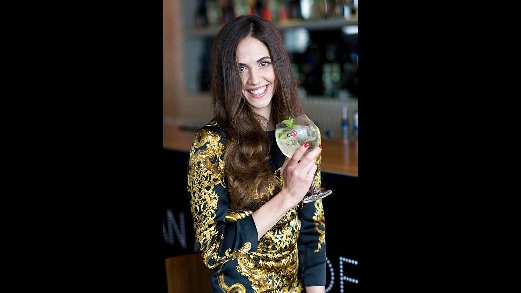La nuova Charlize Theron per Martini è la spagnola Barbara Gonzalez