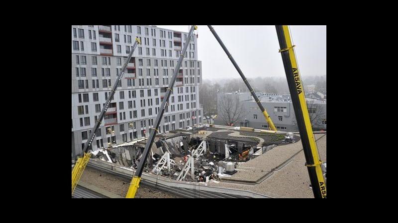Lettonia, crollo in supermercato: bilancio sale a 47 morti