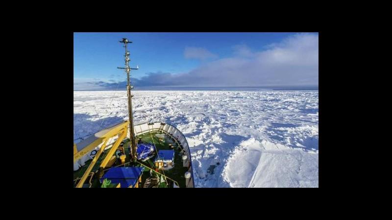 Antartide, al via l'evacuazione della nave russa bloccata fra i ghiacci