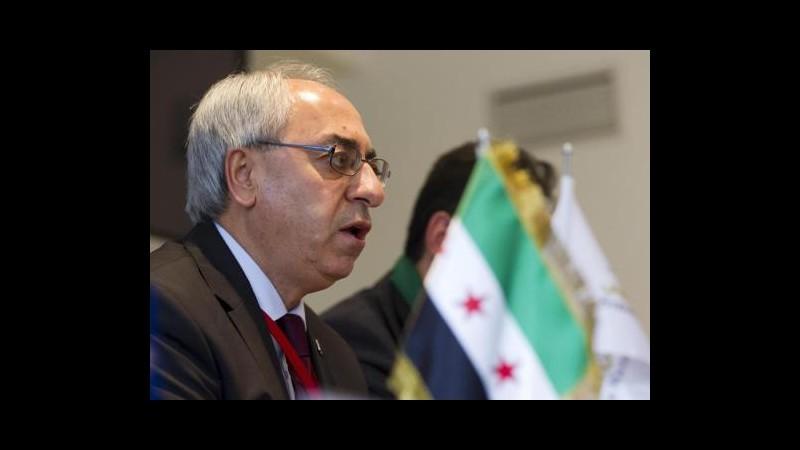 Siria, leader Cns varca confine e visita zone controllate da ribelli