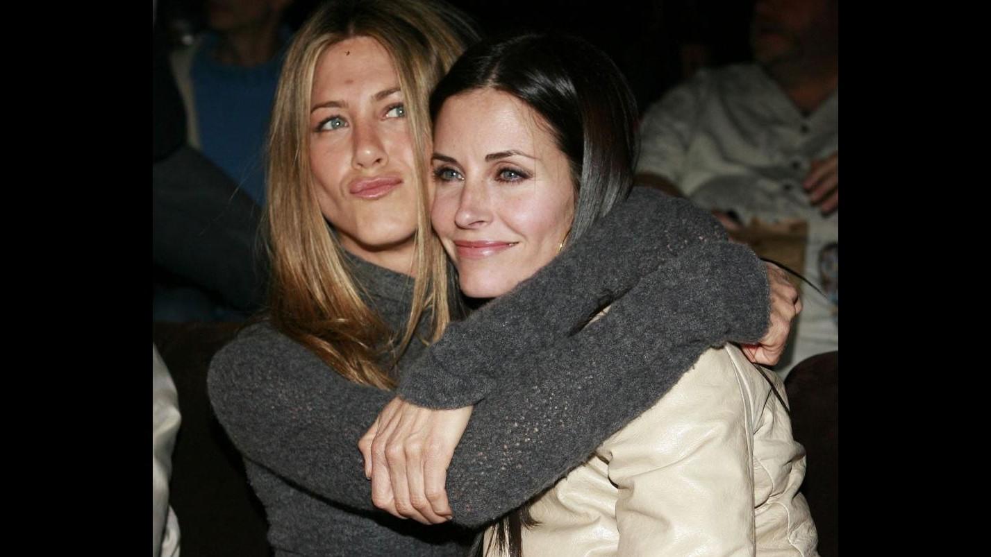 Courteney Cox e Jennifer Aniston di nuovo amiche: insieme in Messico