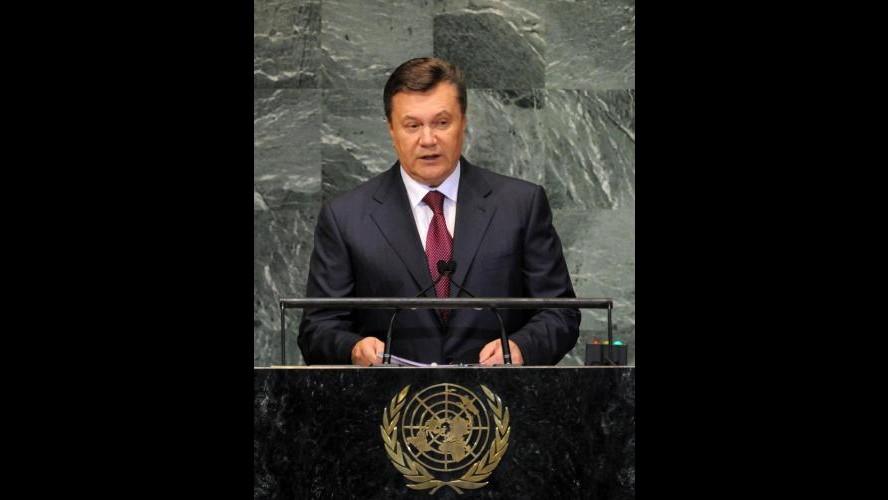 Ucraina, exit poll: avanti Yanukovych, oppositori uniti vincerebbero