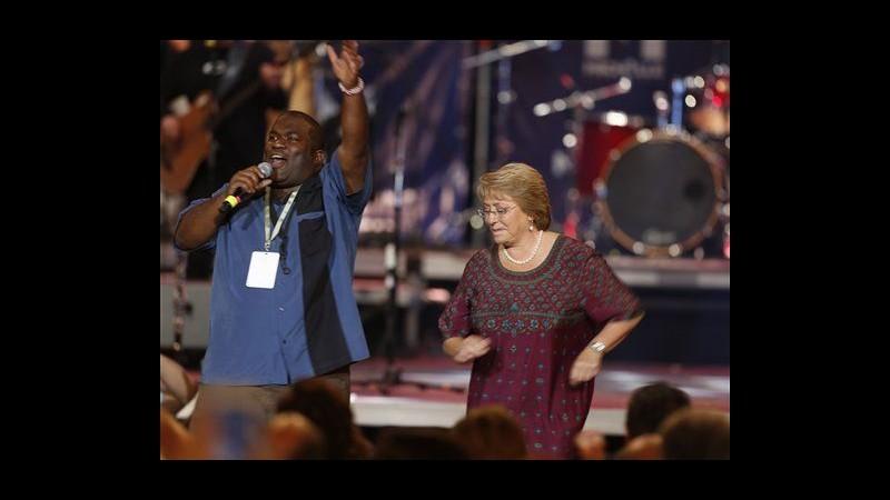 Cile, urne aperte per le presidenziali: favorita Michelle Bachelet