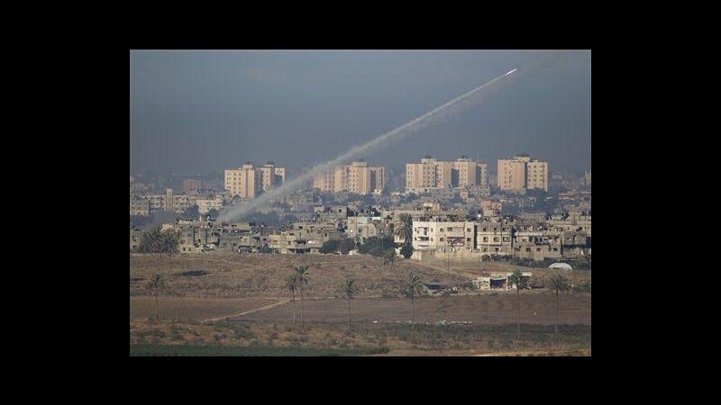 Prosegue offensiva su Gaza. Razzi cadono vicino Tel Aviv