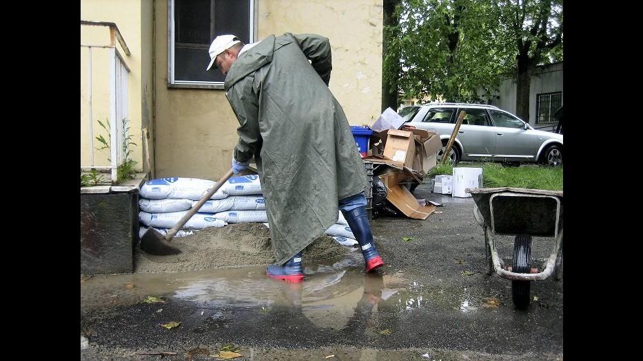 Maltempo, allagamenti e frane a Massa Carrara: decine di evacuati